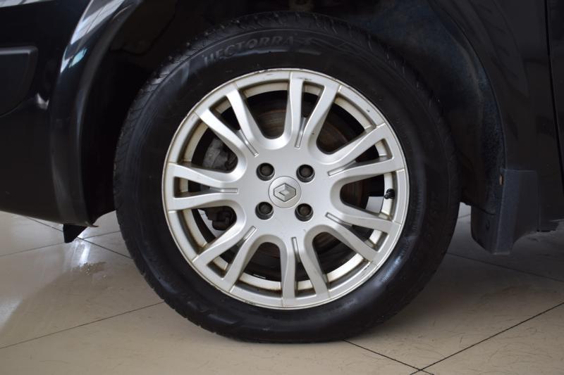 Renault Megane 1.6 MT (115 л. с.)