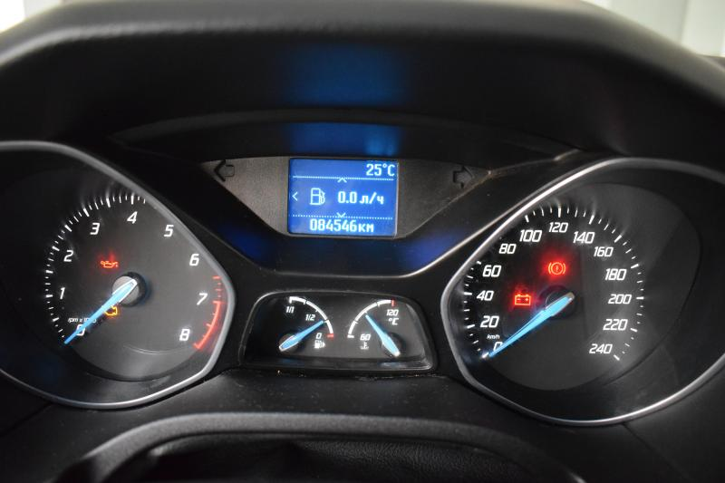 Ford Focus 1.6 MT (105 л. с.)