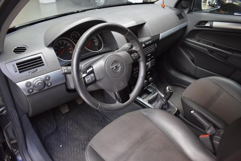 Opel Astra 1.8 MT (140 л. с.)