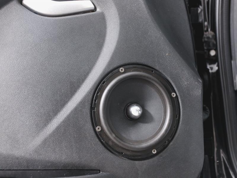 LADA Granta лифтбек 1.6 8кл MT (87 л. с.)
