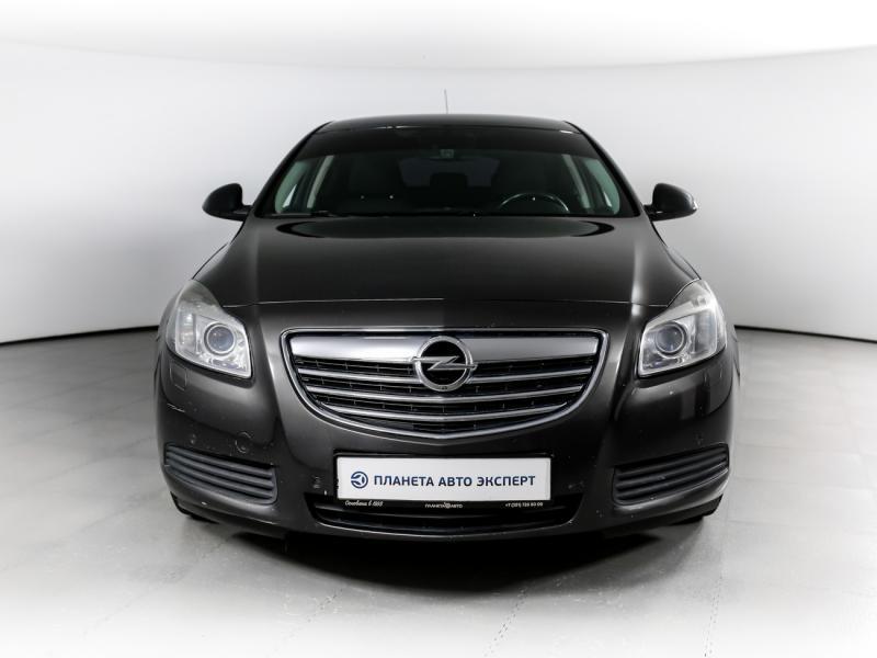 Opel Insignia 2.0 Turbo AT (220 л. с.)