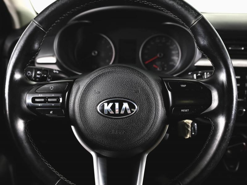 Kia Rio 1.4 MT (100 л. с.)