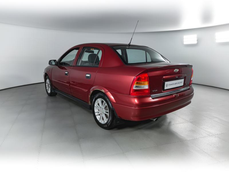 Chevrolet Viva 1.8 Ecotec MT (125 л. с.)