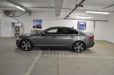 Jaguar XF 2.0 AT (240 л. с.) Prestige
